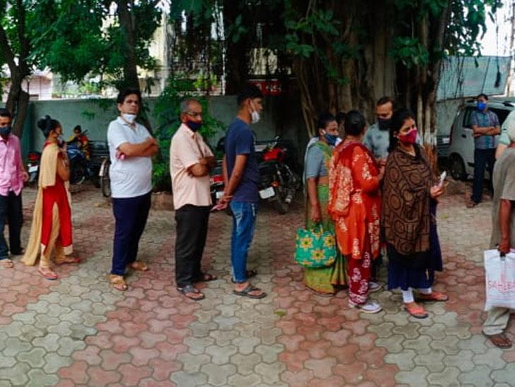 જાહેરનામાની ઝંઝટમાંથી મુક્તિ, વેપારીઓ હવે 15 ઓગસ્ટ સુધી વેક્સિન મુકાવી શકશે|રાજકોટ,Rajkot - Divya Bhaskar