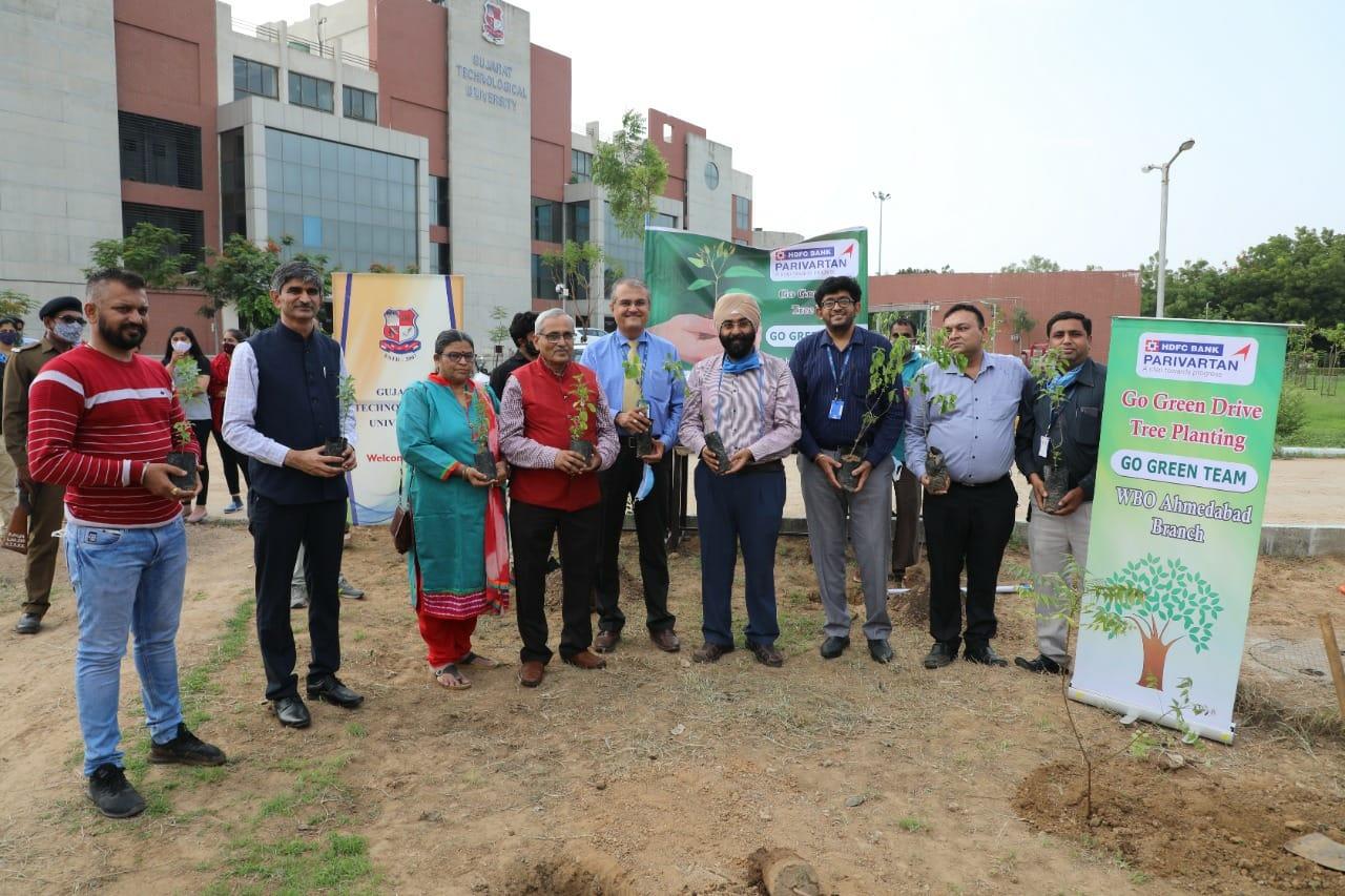 જીટીયુ દ્વારા 2021ના અંત સુધી 1 લાખથી વધુ વૃક્ષોનું વાવેતર કરવાનો લક્ષ્યાંક, કેમ્પસમાં જ લીલાંછમ વનનું નિર્માણ કરાશે|અમદાવાદ,Ahmedabad - Divya Bhaskar