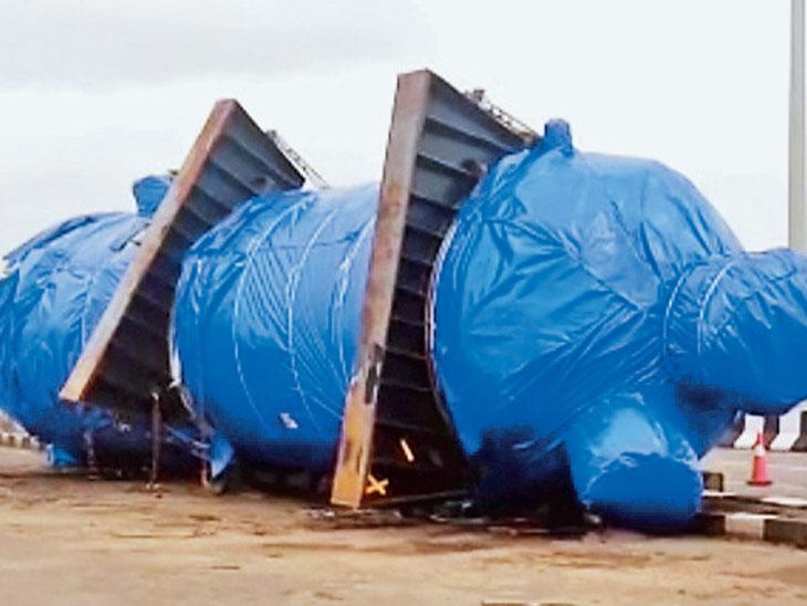 ઈચ્છપોર બ્રિજ પર 143 ટન વજન ખસેડવા 2 ક્રેન આવશે સુરત,Surat - Divya Bhaskar