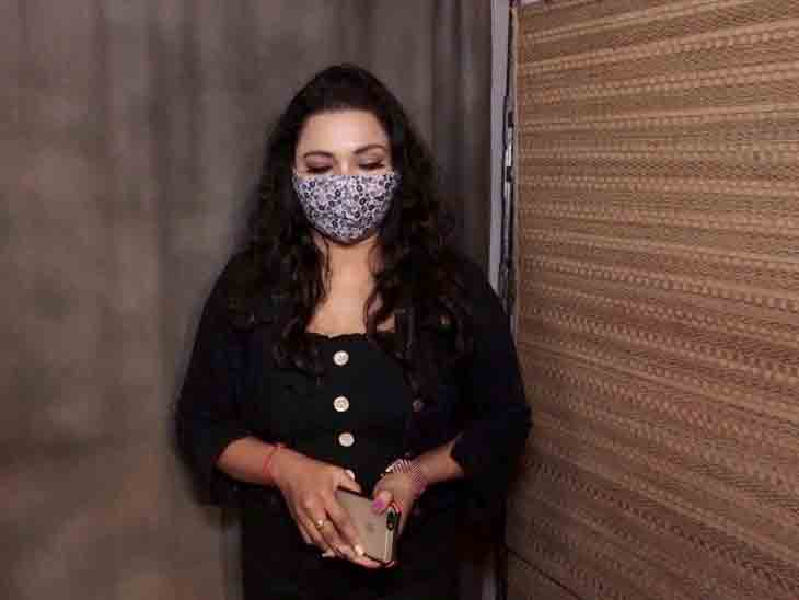 રાજ કુંદ્રા પર ન્યૂડ ઓડિશન માગવાનો આરોપ મૂકનારી સાગરિકાએ કહ્યું, 'કોરોનામાં લોકો ઓક્સિજન વગર તડપતા હતા ને પોર્ન સ્ટાર્સ મહિને લાખોની કમાણી કરતા હતા'|બોલિવૂડ,Bollywood - Divya Bhaskar
