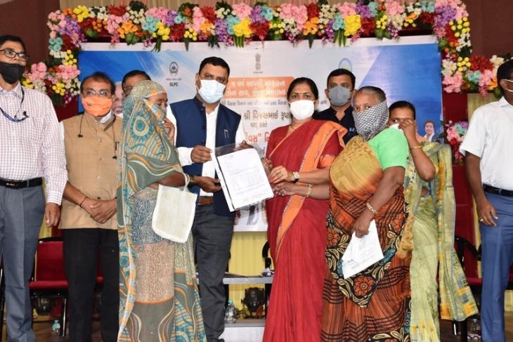 રૂપાણી સરકારના પાંચ વર્ષના પ્રજાલક્ષી સેવા યજ્ઞનો ચોથા દિવસે ભાવનગર ખાતે નારી ગૌરવ દિવસની ઉજવણી કરાઇ ભાવનગર,Bhavnagar - Divya Bhaskar