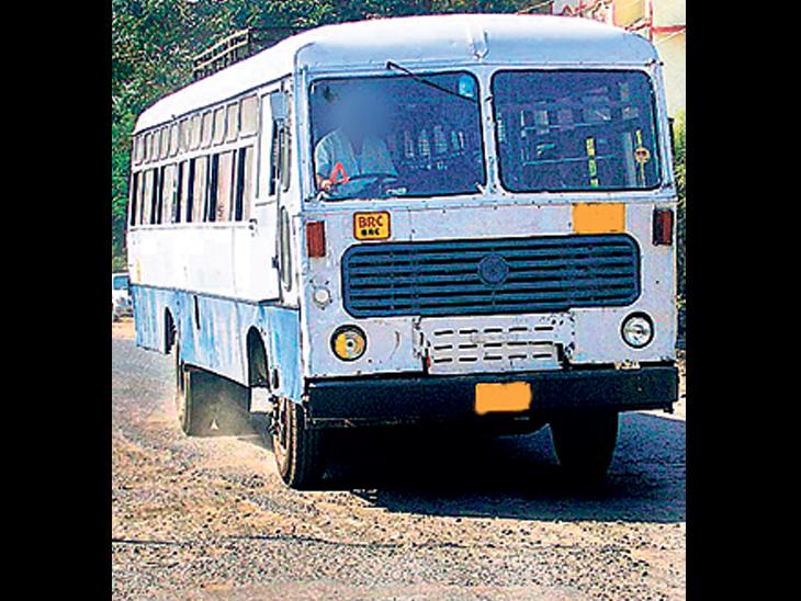 વલભીપુર તાલુકાની મુસાફર જનતા માટે સુવિધા ઘટાડતું એસ.ટી.તંત્ર, મુસાફરોથી ધમધમતા કેટલાક રૂટની સેવા બંધ કરાઇ વલ્લભીપુર,Vallabhipur - Divya Bhaskar