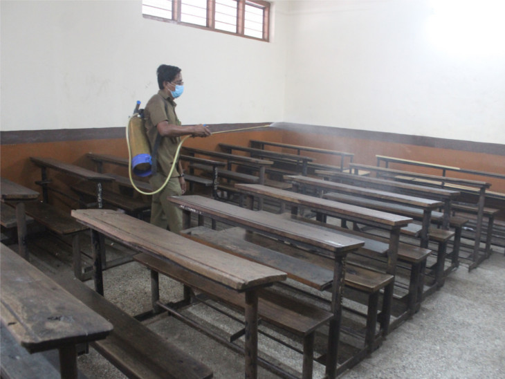 છેલ્લા બે દિવસમાં સ્કૂલના 3 વિદ્યાર્થી કોરોના પોઝિટિવ, 139 સેન્ટર પર રસીકરણ|સુરત,Surat - Divya Bhaskar