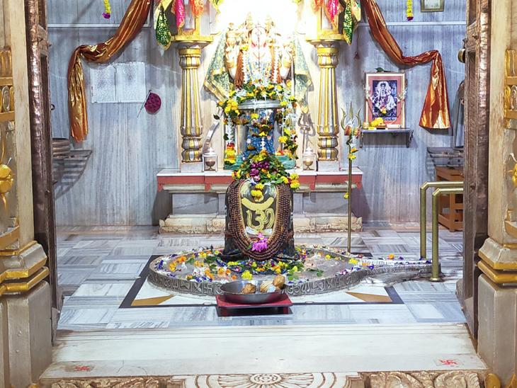ભક્તોનું ભગવાન સાથે મિલન, સોમનાથ મહાદેવ મંદિર હવે શ્રાવણમાં ખુલ્લુ રહેશે|બીલીમોરા,Bilimora - Divya Bhaskar
