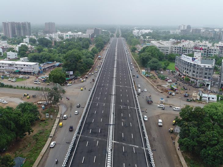 ગાંધીનગર-અમદાવાદને જોડતા 630 કરોડના 2 ઓવરબ્રિજનું કેન્દ્રીય ગૃહમંત્રી અમિત શાહ અને કેન્દ્રીય પરિવહન મંત્રીની વર્ચ્યુઅલ હાજરીમાં લોકાર્પણ ગાંધીનગર,Gandhinagar - Divya Bhaskar