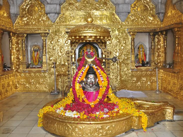 પ્રજાપતિ દક્ષના શ્રાપથી મુક્તિ મેળવવા માટે ચંદ્રદેવે ગુજરાતમાં સોમનાથ જ્યોતિર્લિંગની સ્થાપના કરી હતી|ધર્મ,Dharm - Divya Bhaskar