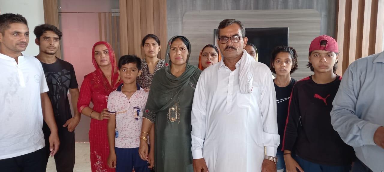 નીરજ ચોપરાના પરિવાર સાથે આખુ ગામ એના સ્વાગત માટે તૈયાર છે