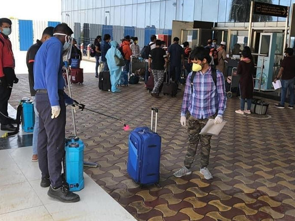 સુરત એરપોર્ટ પર જૂનના 28 હજાર સામે જુલાઇમાં મુસાફરોની સંખ્યા બમણી|સુરત,Surat - Divya Bhaskar