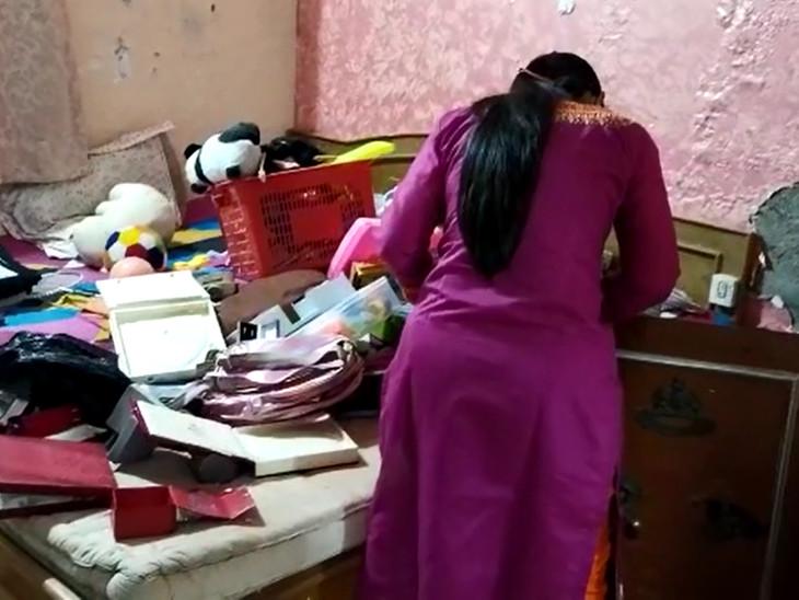 વાઘોડિયા રોડ પર પ્રણવ બંગલોમાં રહેતા ડોક્ટર પરિવારના મકાનને તસ્કરોએ નિશાન બનાવી મકાનમાંથી ચોરી થઇ - Divya Bhaskar