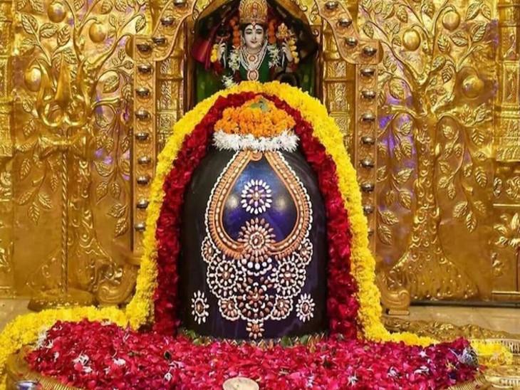 આંધ્રપ્રદેશના શ્રીસૈલમ મલ્લિકાર્જુન મંદિર ભારતનાં બાર જ્યોતિર્લિંગમાંથી એક છે, આ દેશનું એકમાત્ર મંદિર છે, જ્યાં જ્યોતિર્લિંગ અને શક્તિપીઠ એકસાથે છે.