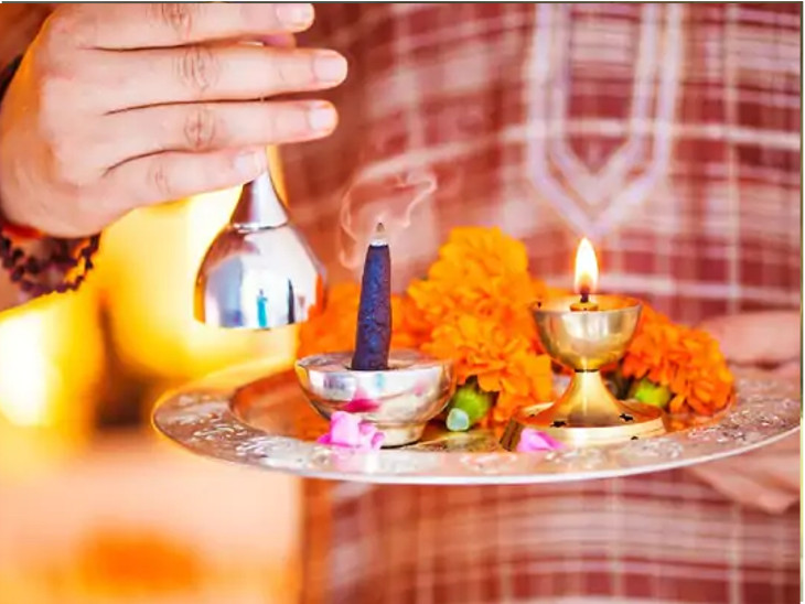 આ મહિનાના દરેક મંગળવારે દેવી દુર્ગા, પાર્વતી અને હનુમાનજીની પણ વિશેષ પૂજા કરવી જોઈએ|ધર્મ,Dharm - Divya Bhaskar