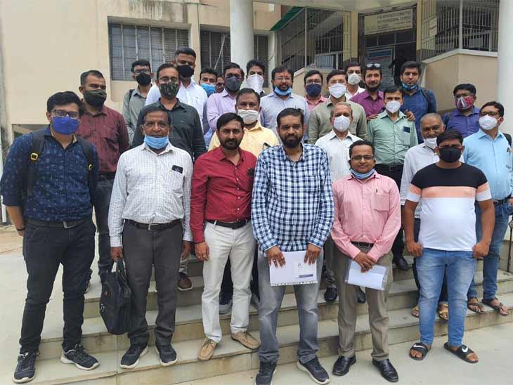 35 ટકા સાથે માસ પ્રમોશન મેળવેલા વિદ્યાર્થીઓને પણ ડિપ્લોમામાં એડમિશન આપવા સેલ્ફ ફાયનાન્સ કોલેજ એસોસિએશનની માગ|અમદાવાદ,Ahmedabad - Divya Bhaskar