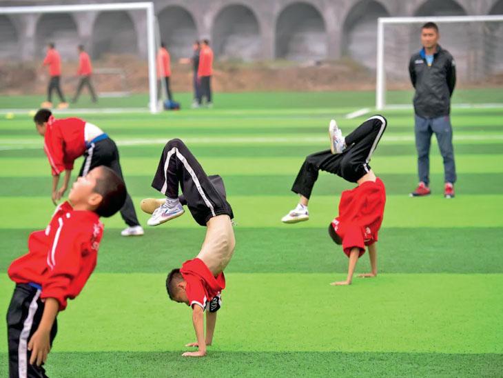 દર વર્ષે 4 લાખ બાળકોને આકરી ટ્રેનિંગ આપી રહ્યું છે ચીન, આ નર્સરીમાંથી ટોપ 500 એથ્લીટ ઓલિમ્પિકમાં જાય છે|સ્પોર્ટ્સ,Sports - Divya Bhaskar