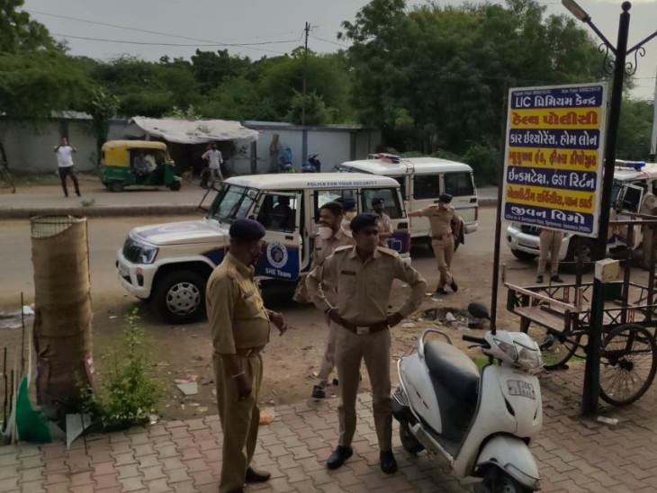 પોલીસે CCTV ફૂટેજની મદદથી ડેરી પાર્લરમાં થયેલી લૂંટના કેસની તપાસ શરૂ કરી હતી