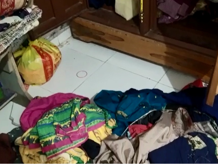 તરસાલી બાયપાસ પાસે આવેલા વુડાના મકાનમાં રહેતા મહેનતકશ પરિવારના ઘરમાં ચોરી - Divya Bhaskar