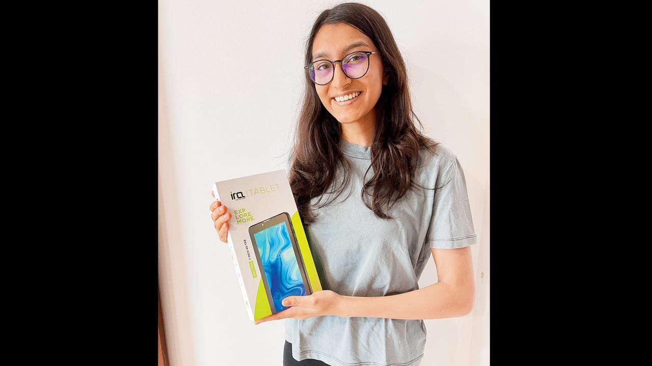 આરિયા ગુપ્તા ધારાવીના વિદ્યાર્થીઓના ઓનલાઈન અભ્યાસ માટે દોઢ લાખ રૂપિયા ફંડ ભેગું કરી રહી છે, સ્ટડી માટે બધાને ટેબલેટ આપશે|લાઇફસ્ટાઇલ,Lifestyle - Divya Bhaskar