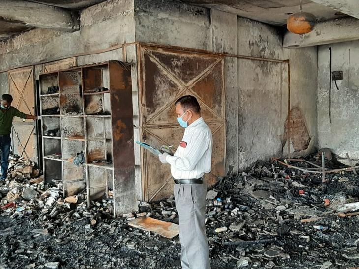 વિકરાળ આગમાં ભસ્મીભૂત થઈ ગયેલા લક્ષ્ય ઈમ્પિરિયલની એફએસએલ સહિતની ટીમોએ સ્થળ તપાસ કરી હતી