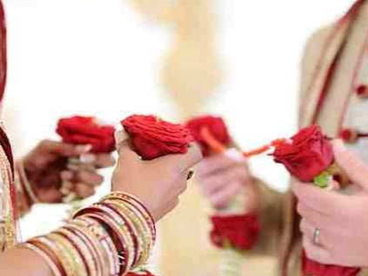 કોરોના કાળમાં ઘરે જ લગ્ન : 77 કન્યાને ઘર બેઠા કરિયાવર ભેટ ભાવનગર,Bhavnagar - Divya Bhaskar