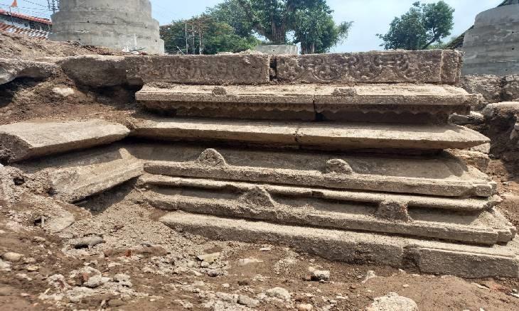 1000 વર્ષ જૂના પરમારકાલીન મંદિરના અવશેષો.