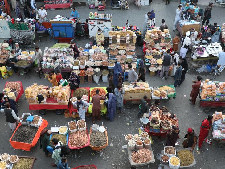 કાબુલ શહેરના એક બજારનું દૃશ્ય.