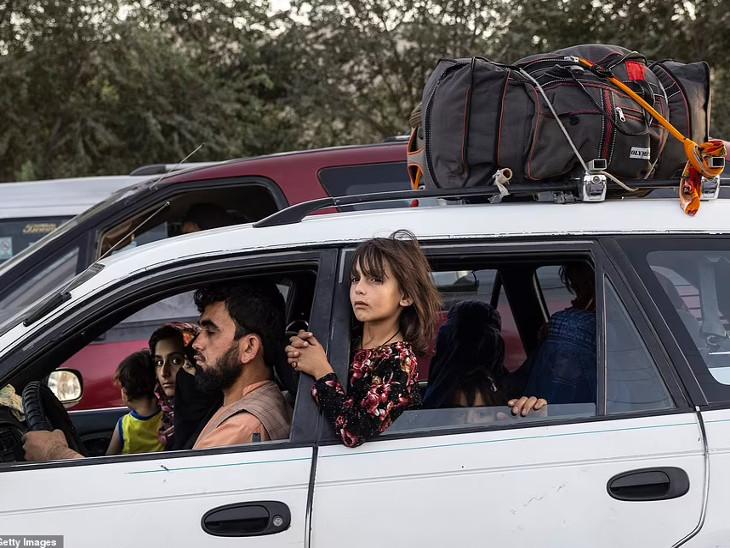 દેશના ઉત્તર વિસ્તારોમાંથી લોકો તેમના ઘર છોડી કાબુલ તરફ જઈ રહ્યા છે