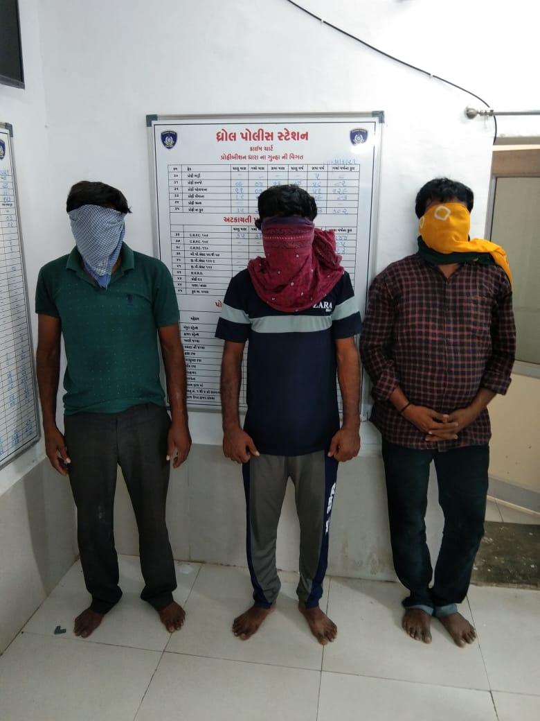 સોયલ ટોલનાકા પાસે ફિલ્મી ઢબે સાળીનું અપહરણ કરનાર બનેવી સહિત 4 શખ્સો ઝડપાયા જામનગર,Jamnagar - Divya Bhaskar