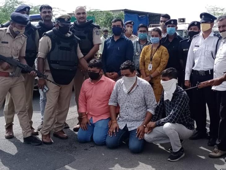 આગામી 15 ઓગસ્ટને ધ્યાને લઈને ઓલપાડ પોલીસે મોકડ્રિલ કર્યું. - Divya Bhaskar