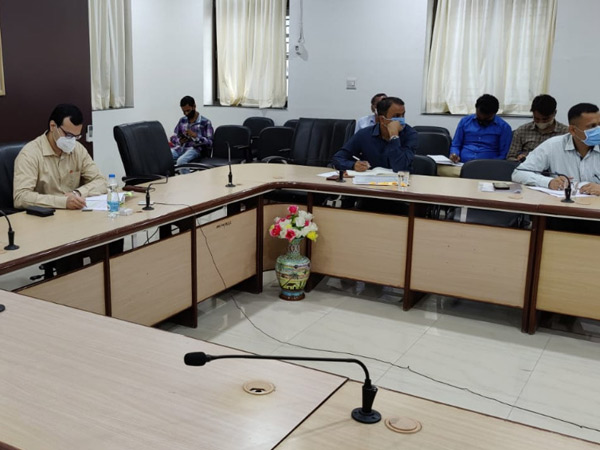 કલેક્ટર કચેરીમાં મતદાર સંક્ષિપ્ત સુધારણા અંગે વીડિયો કોન્ફરન્સ. - Divya Bhaskar