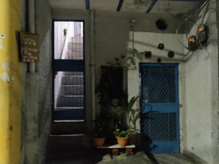 આ તસ્વીર આરોપીના ઘરની છે.