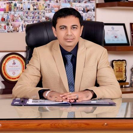 મેયર ડો.પ્રદિપ ડવની ફાઈલ તસ્વીર - Divya Bhaskar