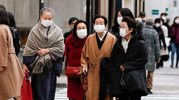 જાપાનમાં 30 જુલાઇથી લઈને 12 ઓગસ્ટ સુધીમાં માત્ર બે દિવસ જ 10 હજારથી ઓછા કેસ નોંધાયા છે.