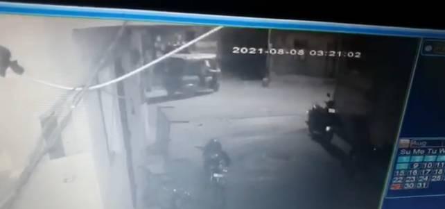 ઘટના CCTV માં કેદ થઈ જતાં પોલીસે તપાસ હાથ ધરી હતી