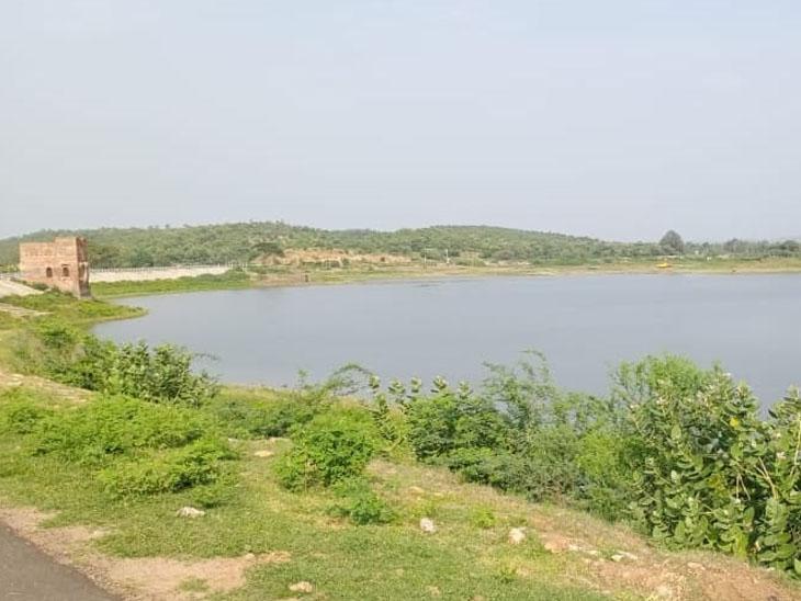 પાવાગઢ વડા તળાવને નજીકની નર્મદા કેનાલમાંથી પાણીથી ભરવામાં આવશે. - Divya Bhaskar
