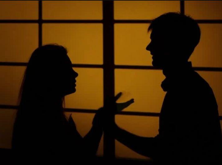 અમદાવાદમાં પતિ કામ પર જવાનું કહી બીજી પત્ની સાથે રહેવા જતો, પત્નીના હાથમાં મેરેજ સર્ટિફિકેટ આવી જતા ભાંડો ફૂટ્યો|અમદાવાદ,Ahmedabad - Divya Bhaskar