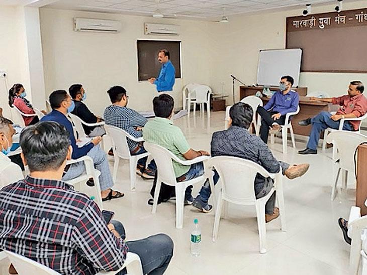 કોવિડની સંભવિત ત્રીજી લહેર સામે બાથ ભીડવા આરોગ્ય વિભાગ સજ્જ ગાંધીધામ,Gandhidham - Divya Bhaskar