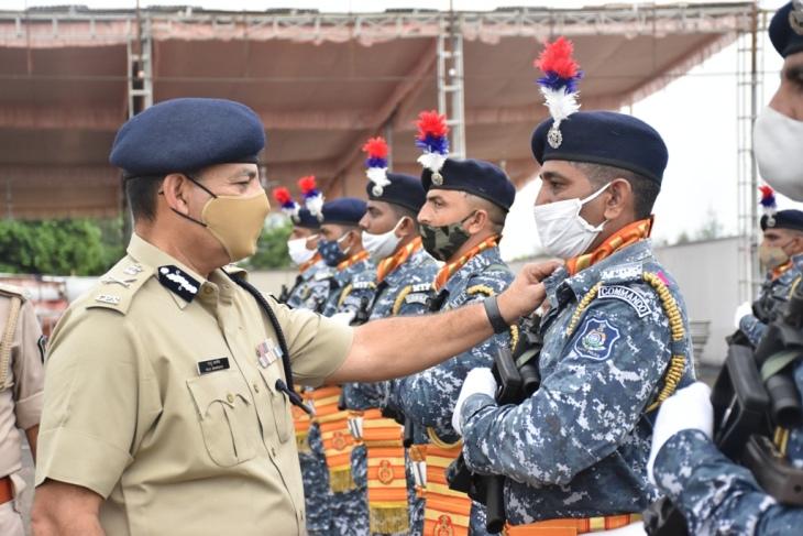જૂનાગઢમાં સ્વાતંત્ર્ય પર્વની ઉજવણી અંર્તગત ગુજરાત પોલીસને વધુ સુસજ્જ કરવા 10 હજાર બોડી વોર્ન કેમેરા અને 15 ડ્રોન કેમેરા અપર્ણ કરાશે જુનાગઢ,Junagadh - Divya Bhaskar