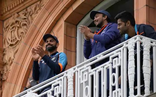 શમી અને બુમરાહે 9મી વિકેટ માટે ઇંગ્લેન્ડમાં ભારત માટે સૌથી મોટી ભાગીદારી કરી હતી. ખુદ કોહલી પણ પોતાને તાળીઓથી રોકી શક્યો નહીં.