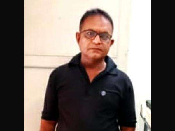 જેતલસરમાં જનારોગ્ય સાથે ચેડાં કરતો બોગસ તબીબ ઝડપાયો જેતપુર,Jetpur - Divya Bhaskar