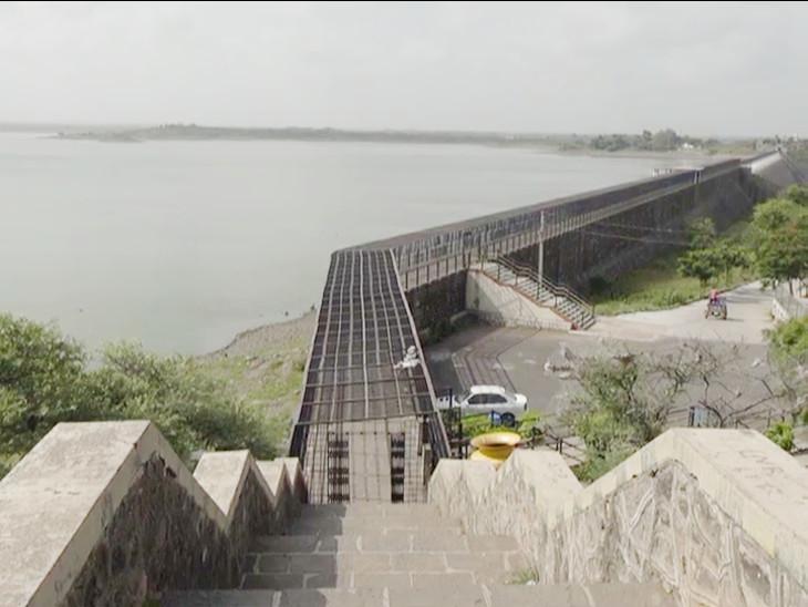 રાજકોટમાં જળસંકટ ને નિવારવા સરકાર આપશે નર્મદાના નીર, 23 ઓગષ્ટ પછી આજીડેમમાં ફરી 150 MCFT નર્મદાનું પાણી ઠલવાશે રાજકોટ,Rajkot - Divya Bhaskar
