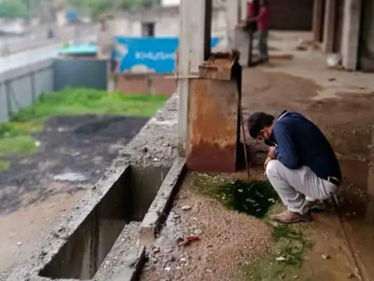 AMCએ રોગચાળો વકરતાં 2300 એકમોનું ચેકિંગ કરી 1200 એકમોને નોટીસો ફટકારી, 31 લાખથી વધુનો દંડ વસૂલ્યો|અમદાવાદ,Ahmedabad - Divya Bhaskar