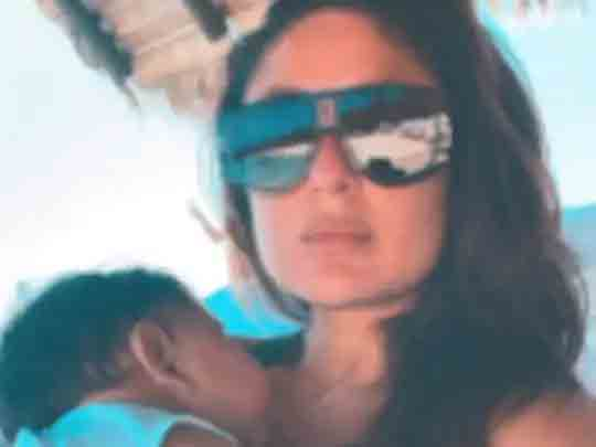 કરીના કપૂરે માલદીવ્સથી દીકરા જેહ સાથેનો નવો ફોટો શૅર કર્યો, કહ્યું- લાઇટ્સ, કેમેરા, નેપ ટાઇમ|બોલિવૂડ,Bollywood - Divya Bhaskar