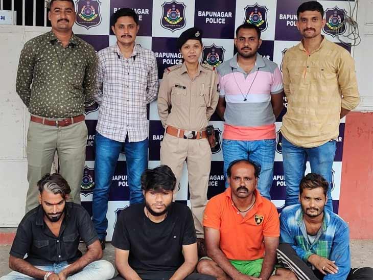 અમદાવાદના બાપુનગરમાં 70 વર્ષીય વૃદ્ધાના 2 તોલા સોનાનો દોરાની સ્નેચિંગ કરનાર ગેંગ ઝડપાઈ, CCTVના કારણે આરોપી ઝડપાયા અમદાવાદ,Ahmedabad - Divya Bhaskar