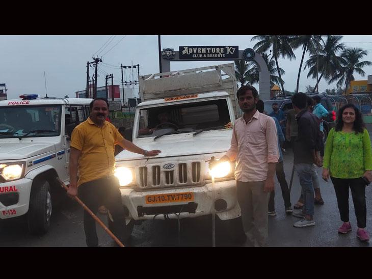 ગૌરક્ષકોની ગાડીને ટક્કર મરાઇ, પથ્થરમારો કરાયો છતાં 1780 કિલો ગૌમાંસ ઝડપી પડાયું|કોસંબા,Kosamba - Divya Bhaskar