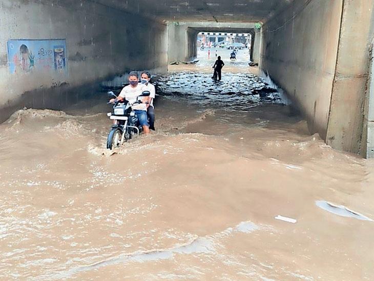 રક્ષાબંધન પર મહીસાગર, ગીર સોમનાથ સહિત ગુજરાતના 6 જિલ્લાઓમાં ભારે વરસાદની આગાહી, રાજ્યમાં સીઝનનો કુલ 40 ટકા વરસાદ અમદાવાદ,Ahmedabad - Divya Bhaskar