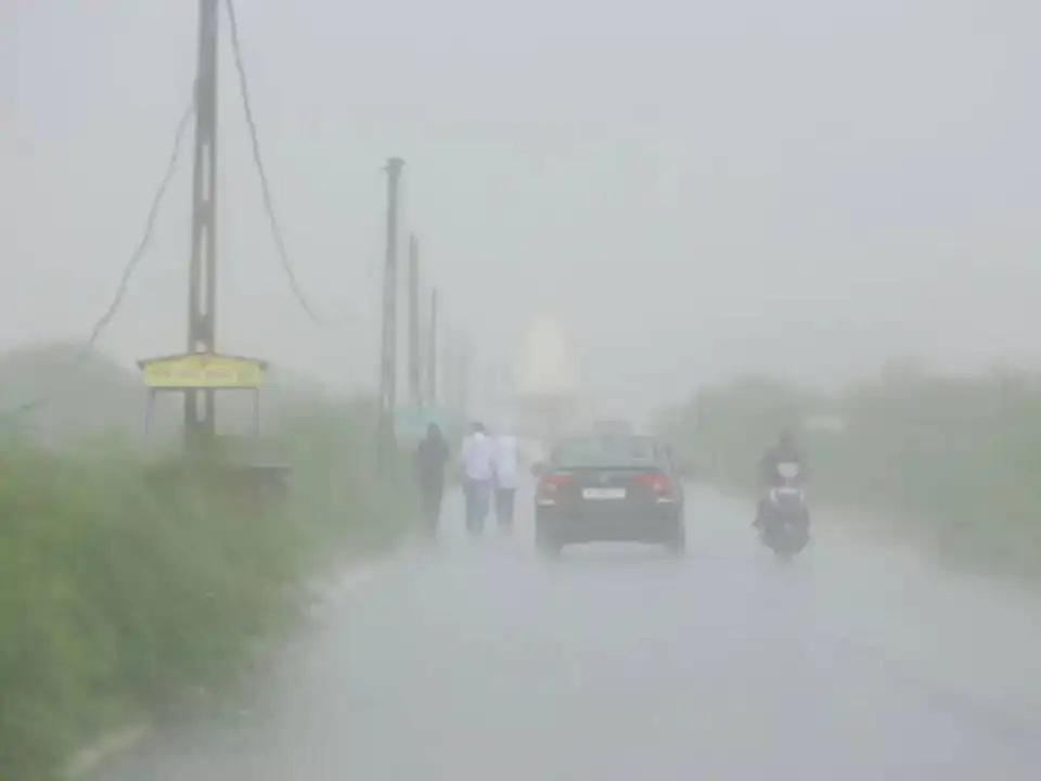 દક્ષિણ ગુજરાત-સૌરાષ્ટ્રમાં મેઘરાજાની ધમાકેદાર બેટિંગ, વલસાડ, અમરેલીમાં 5 ઈંચ સુધી વરસાદ, 112 તાલુકાઓમાં ભારેથી લઈ સામાન્ય વરસાદ|અમદાવાદ,Ahmedabad - Divya Bhaskar