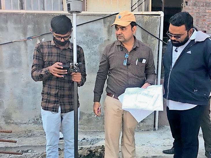 સાયણમાં સરકારી જમીનને ખાનગી બતાવી 90 લાખનું ખોટું વળતર લેવાયું હોવાની રાવ ઓલપાડ,Olpad - Divya Bhaskar