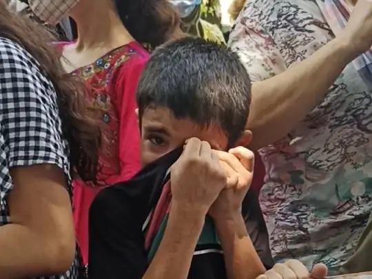 9 વર્ષનો મોહમ્મદ ખાલિદ વાત કરતી વખતે રડવા લાગે છે. તેના પિતાને કોઈ કામ મળતું નથી, ખૂબ જ મુશ્કેલીઓમાં ઘરનો ગુજારો થઈ રહ્યો છે.