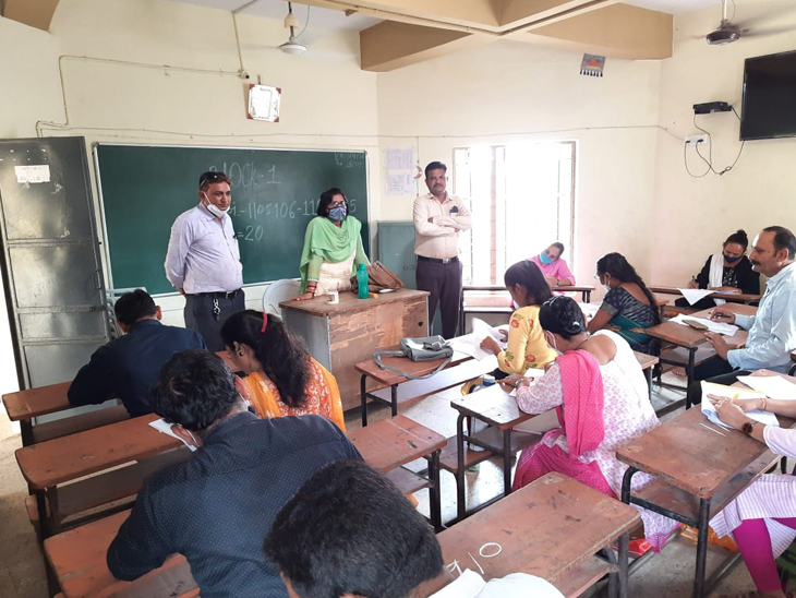 બગસરા તાલુકાના શિક્ષક સજ્જતા સર્વેક્ષણમાં 90 ટકા શિક્ષકો જોડાયા બગસરા,Bagasara - Divya Bhaskar