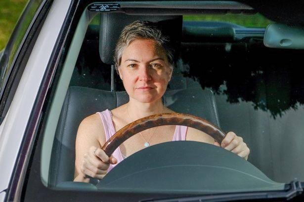 47 વર્ષીય મહિલાએ 30 વર્ષમાં 10 લાખનો ધુમાડો કરીને 1000 વખત ડ્રાઇવિંગ ક્લાસ કર્યા, છતાં ટેસ્ટ પાસ કરી શકી નથી|લાઇફસ્ટાઇલ,Lifestyle - Divya Bhaskar