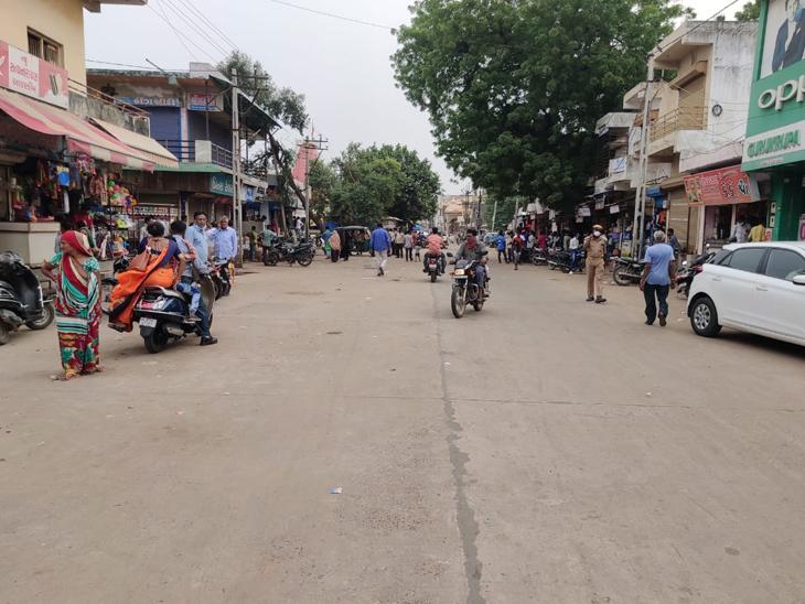 દહેગામ નગરપાલિકા દ્વારા શહેરમાં અડચણરૂપ દબાણો હટાવાયા હતા. - Divya Bhaskar